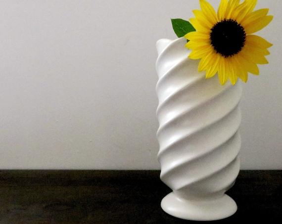 Vintage White Vase Swirl Design Dutch Delft White Magic Vase Matte Ceramic Pedestal Base Mark Holland 690 SP Pottery Made in The Netherlands