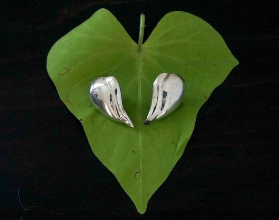 Vintage Silver Earrings Abstracted Heart Shape 80s Post Back Earrings Teardrop Pear Shape Kidney Earring Pair Sterling Jewelry Taxco Mexico