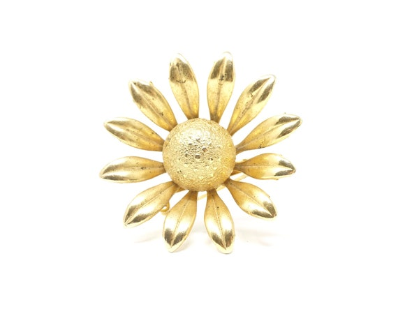 Vintage Daisy Brooch Gold Toned Coneflower Pin Curved Petals 1960s Costume Jewelry Flower Coat Pin Aster Sunflower or Montauk Daisy
