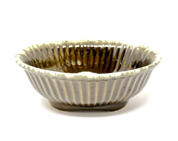Vintage Hull Planter Green Oval Plant Pot Drip Glaze Pottery Hull USA F15 1960s Ceramic Ribbed Bowl Cream Dripped Rim Moss Green Brown