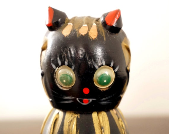 Vintage Cat Salt and Pepper Shakers Salty Peppy Wood S & P Shaker Pair Napco Handpainted White Black Gold Red Green Googly Eyes Kitty Kitsch