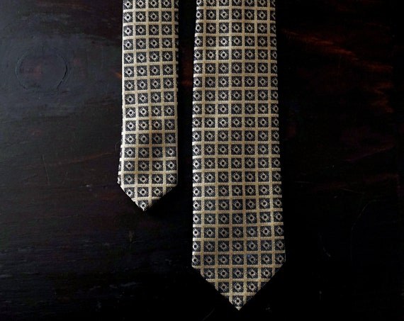 Vintage Tie Skinny Gold Black Necktie Grid Pattern Polyester Brocade Tie Mid Century Wemlon Wembly Menswear Accessory Retro Gift for Him