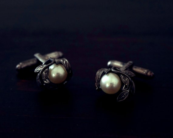 Vintage Cultured Pearl Cuff Links Silver Marcasite Leaves Vine Encased Single Cultured Pearl Cufflinks Ornate Rare Men's Accessory
