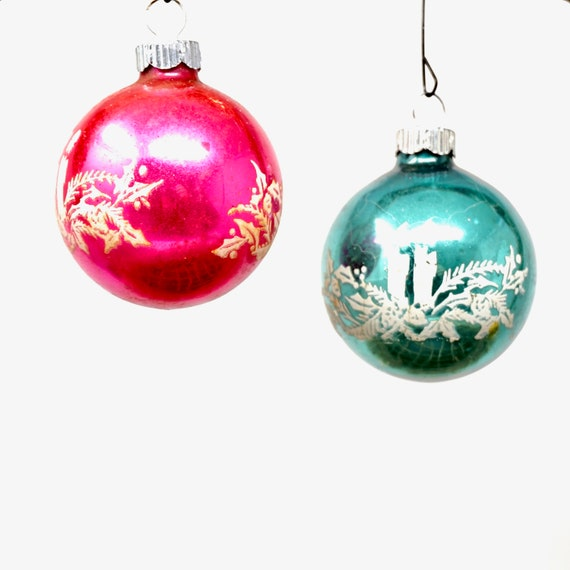 Vintage Shiny Brite Stencil Glitter Ball Set of 2 Blue Pink White Holly Candle Mica Stenciled Design Foiled Ball Mercury Glass 50s Tree Trim
