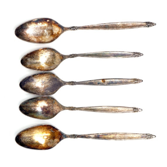 Vintage Spoons Garland Pattern Rogers Brothers 1847 IS 60s International Silverplate 3 Teaspoons 2 Oval Soup Spoons Daisy Cluster Handle 70s