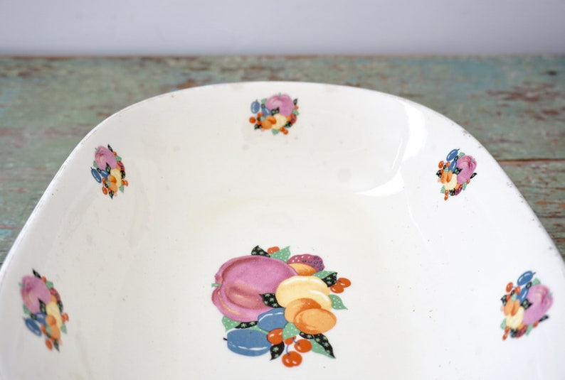 George Off White Vintage Oval Serving Bowl Multicolor Fruit 1940s Country Gentlemen Pattern by Cavitt-Shaw W S