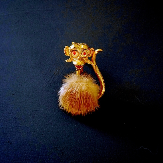Vintage Monkey Brooch Fur Jewelry Pin Gold Tone Si