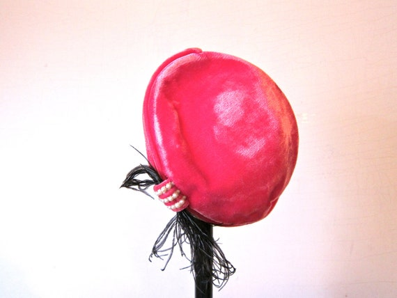 Vintage Hat Pink Velvet 1940s Hat Black Feather Pearl