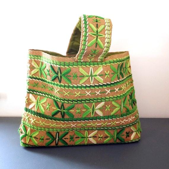 Vintage Handbag Woven Green Purse Crewelwork Design Ombre Green Yarn Burlap Rectangle Satchel Wide Handle Zip Closure Avocado Green Interior