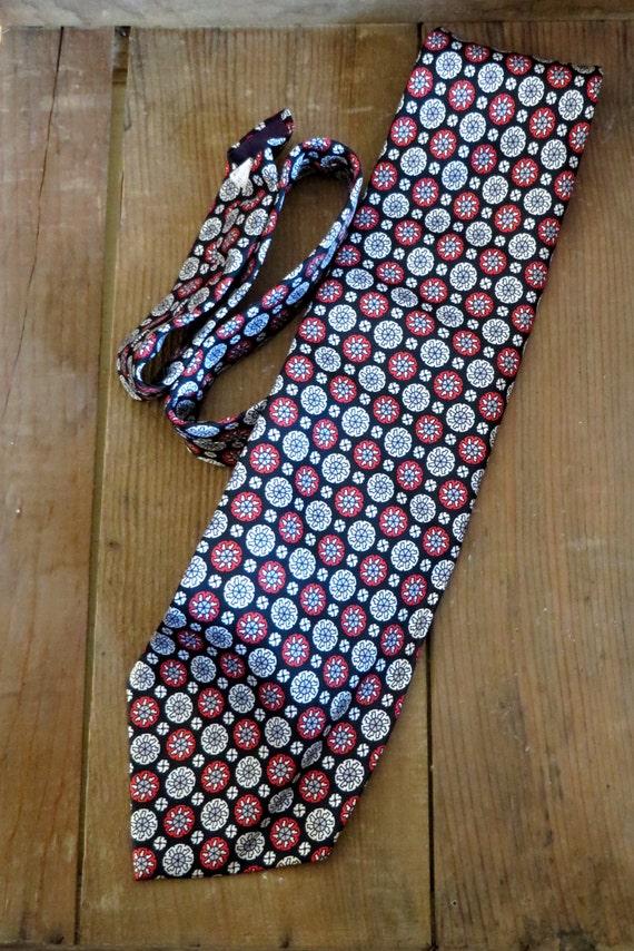 Vintage Tie Navy Blue Red Medallion Print Wide Necktie