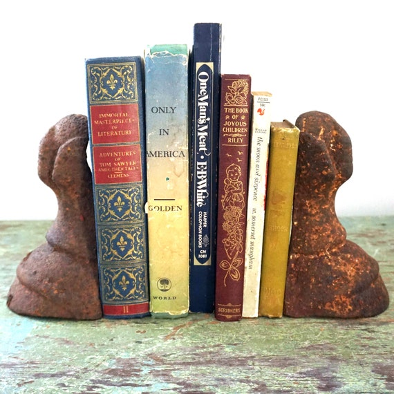 Vintage Tub Legs Clawfoot Cast Iron Pair of Tub Feet Rusted Ball and Claw Legs Set of 2 For Display Repurpose Refinish Bookends Garden Decor