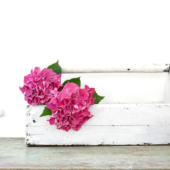 Vintage Wood Caddy White Painted Handmade Primitive Carpenter's Tool Box Rustic Storage Decor Planter
