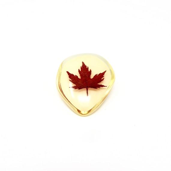Vintage Maple Leaf Brooch Resin Encased Red Leaf 1960s Canadian Souvenir Zinser Jewelry