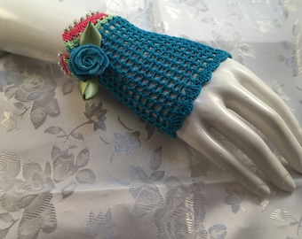 Teal & Pink Sweet Lace Fingerless Gloves