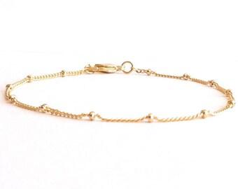 3b065e34c47ca Simple gold bracelet | Etsy