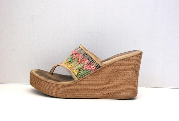 SBICCA.....RAINBOW Yarn Woven Wedge Platform Shoes