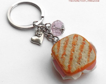 Key chain toast with ham and cheese in Fimo
