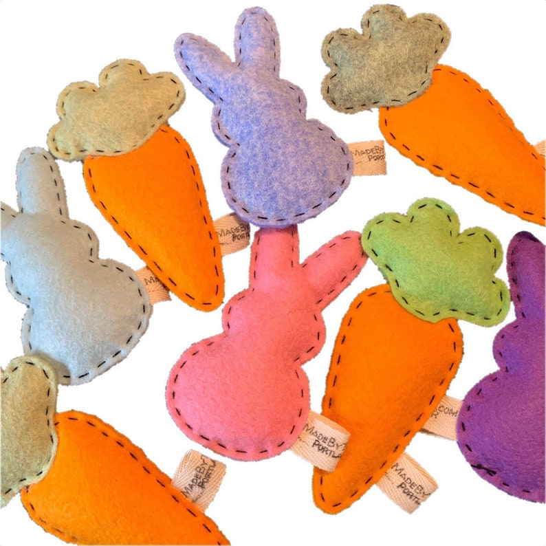 Catnip Cat Toy  bunnies and carrots  wool felt image 0