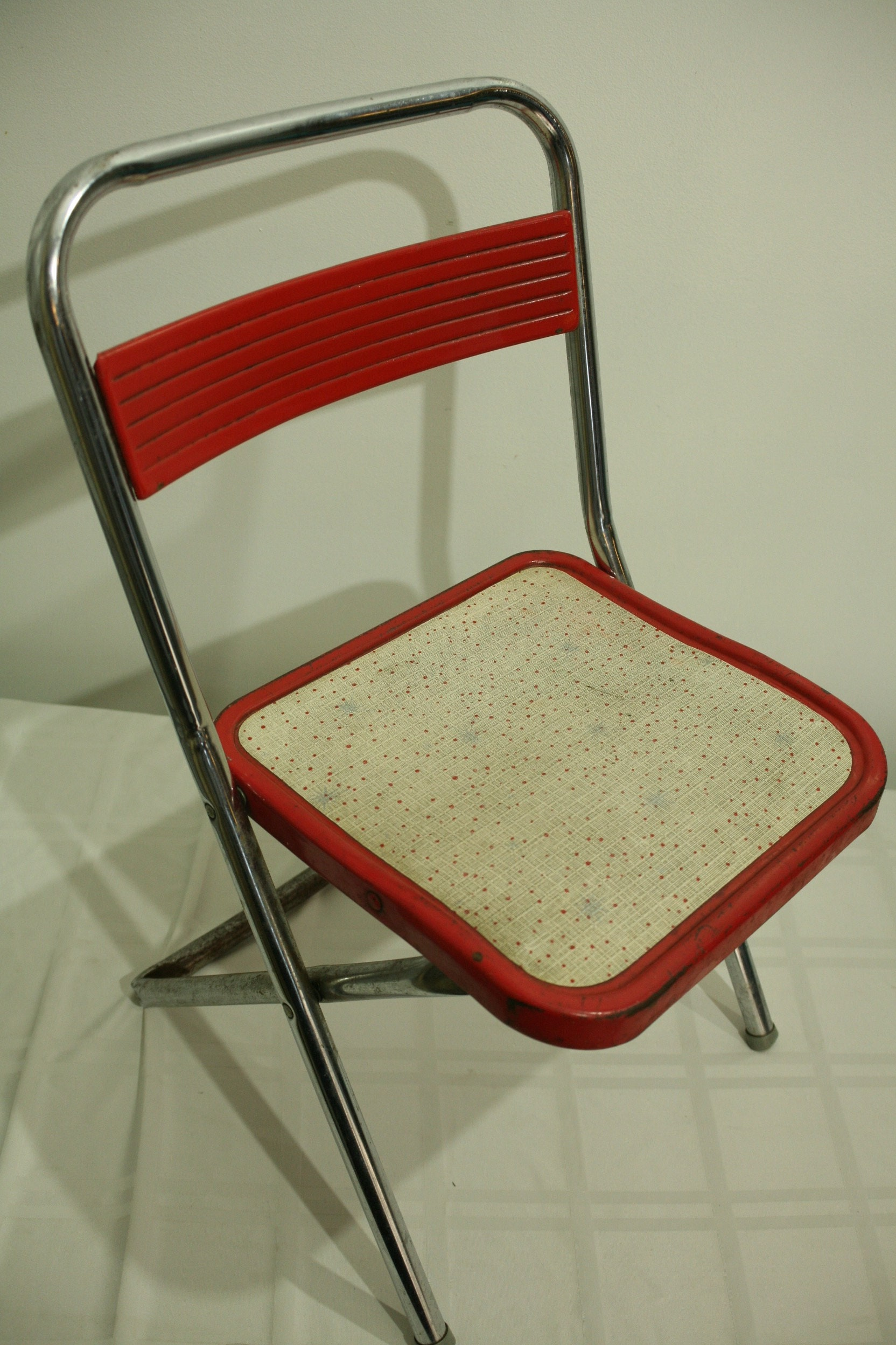 Vintage Red And Cream Metal Child S Chair Folding Farmhouse Child S Chair Farmhouse Decor Playroom Chair Folding