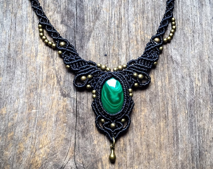 Macrame boho chic malachite necklace elven micro macramé jewelry