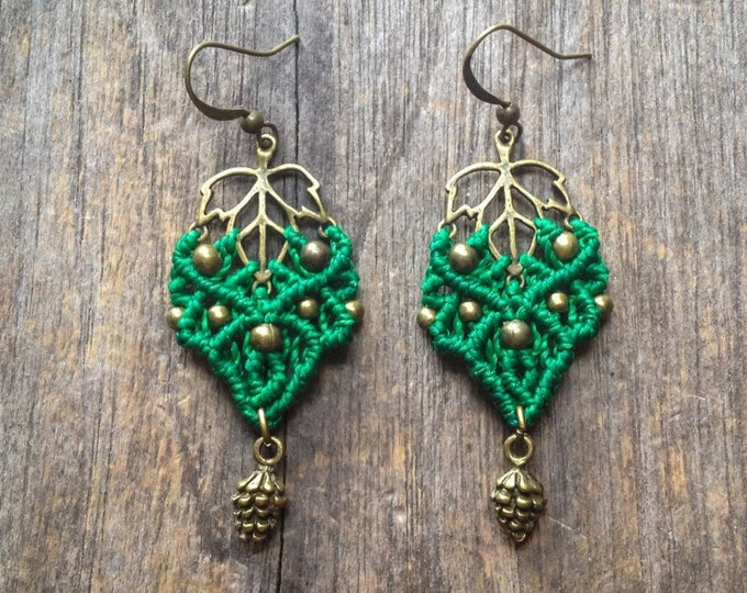 Macrame pixie leaf earrings with pinecone bohemian elven elf jewelry