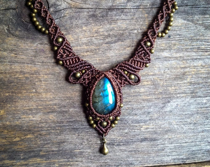 Macrame necklace labradorite ethnic chic bohemian jewelry