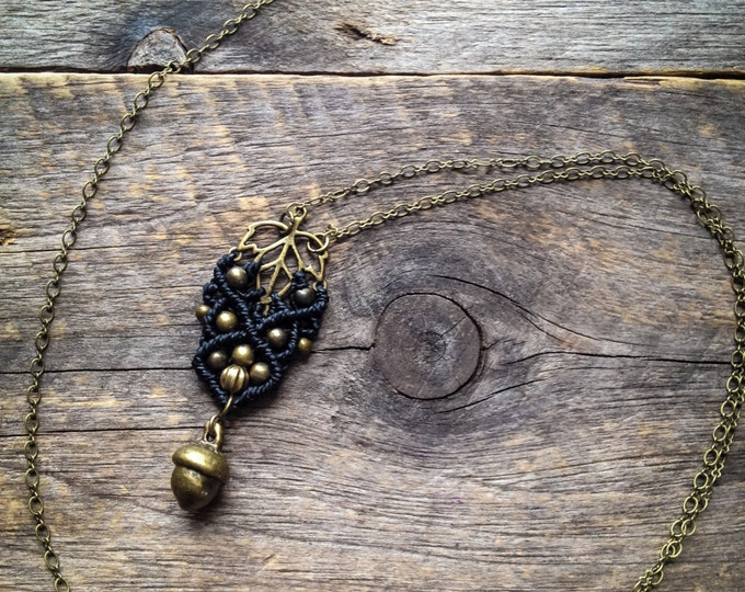 Macrame elven leaf pendant on chain boho jewelry