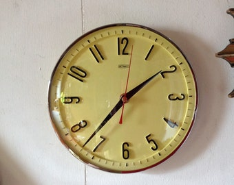 Vintage Metamec   Yellow Kitchen Clock   Battery Operated Recycled Wall  Clock