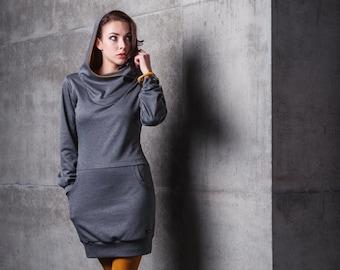 Kleid für Damen, Kapuzenkleid grau, Sweatkleid mit Kapuze, Hoodie Kleid langarm, Jersey Kleid mit Taschen, Pullover Kleid HONEY by Pippuri