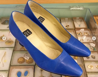 d57ff5c4eb449 Vintage 80s Blue leather Pumps by NINE WEST Size 7 M (may also fit size 6  1 2 ) Made in Brazil