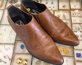 Vintage 80s Brown leather western ankle booties  Size 8 1/2 (may fit size 8 ) by Guess By Mootsies Tootsies Made in Brazil