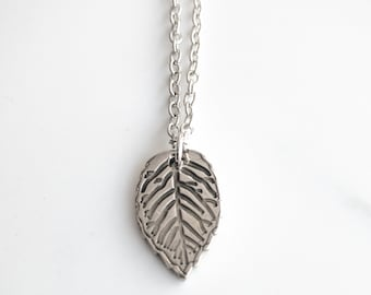 Autumn Leaf Necklace - Fall Leaves Jewelry - Minimalist Necklace - Just Because Gift - Fall Fashion