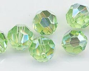 24 gorgeous Swarovski crystals - art 5000 - 6 mm - peridot AB