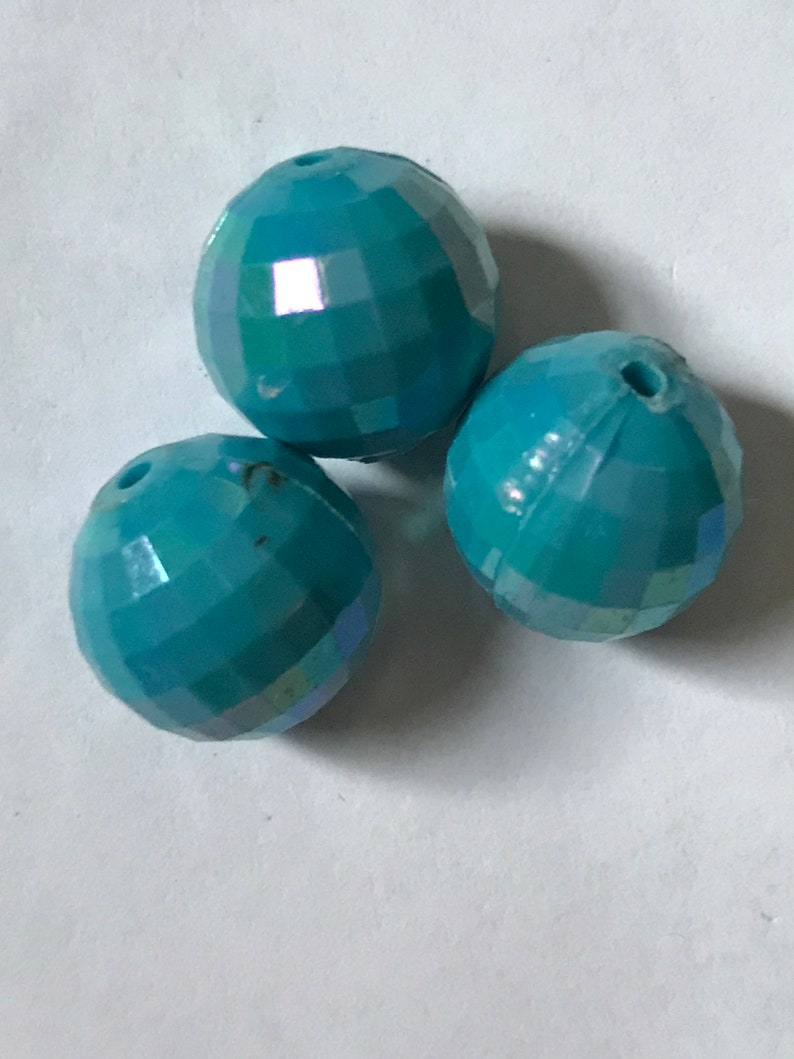 13.5 mm 9 vintage prism-faceted aqua lucite beads with slight iridescence