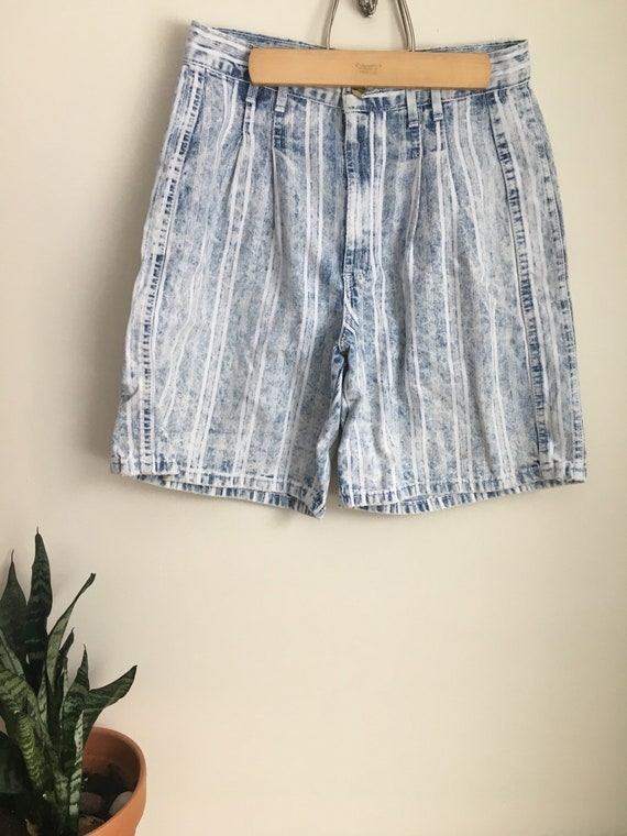 stone washed jeans, stonewashed shorts, jean short