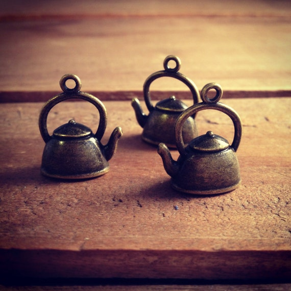 20 Antique Bronze Teapot and Cup  Pendant Charms Alice In Wonderland