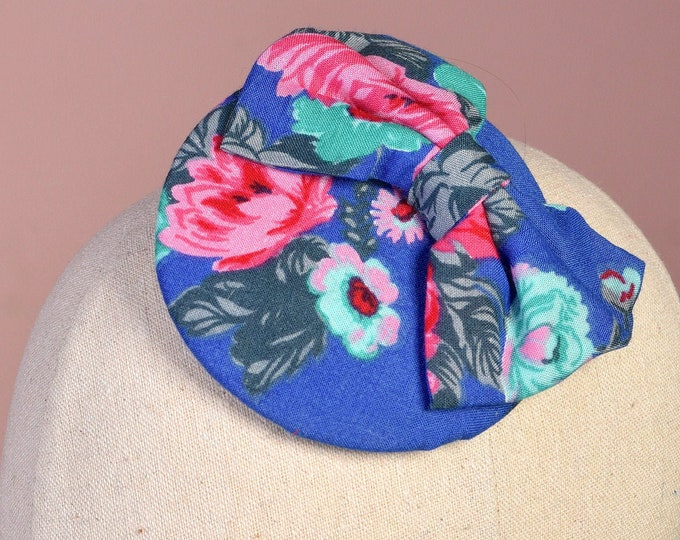 Retro 1950s Style Bow Fascinator in Blue and Pink Floral Print