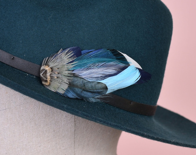 Blue Duck Feather Hat Pin / Lapel Pin Small No.126