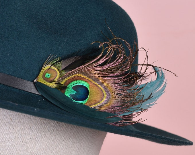 Green Peacock Feather Hat Pin / Lapel Pin No.173