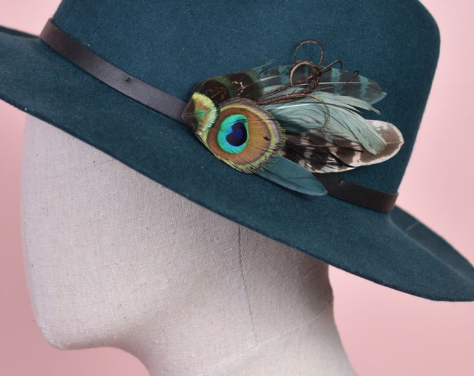 Green Peacock and Pheasant Feather Hat Pin / Lapel Pin No.169