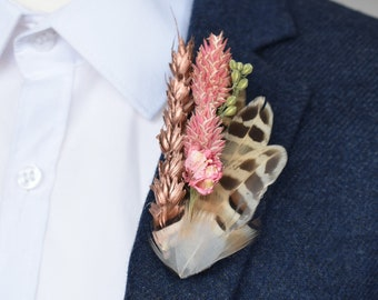 Dried Flower and Feather Lapel Pin in Pink and Rose Gold