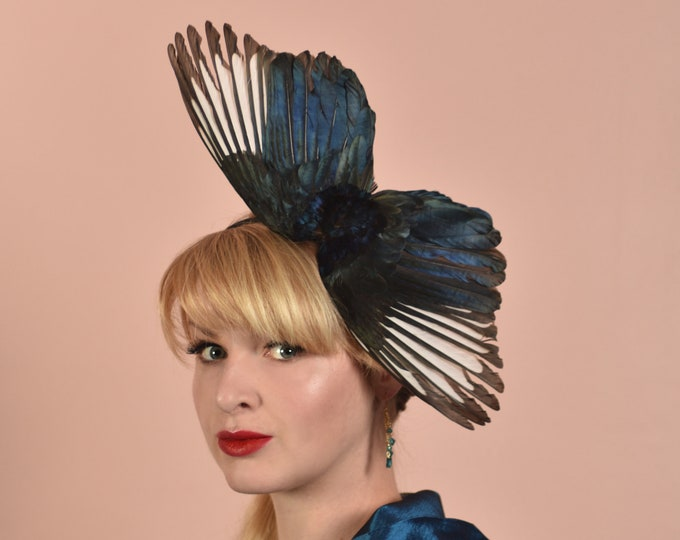Side Perching Magpie Wing Fascinator