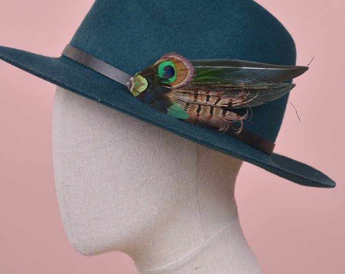 Green Peacock and Pheasant Feather Hat Pin / Lapel Pin No.201