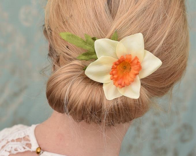 Cream Daffodil Hair Clip