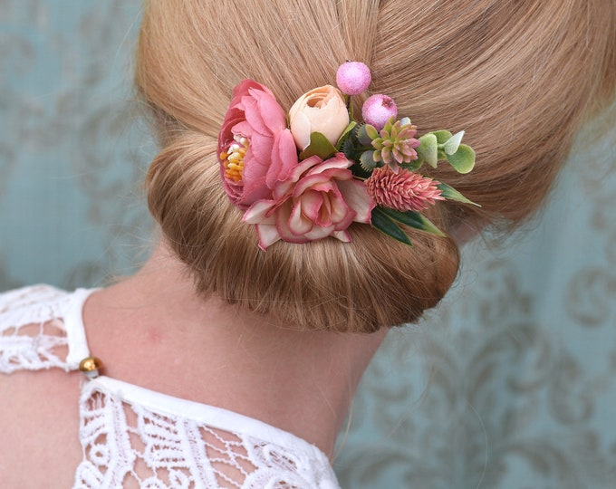 Artificial and Dried Flower Hair Clip in Soft Pink