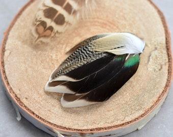 Mini Duck Feather Lapel Pin Small No.109