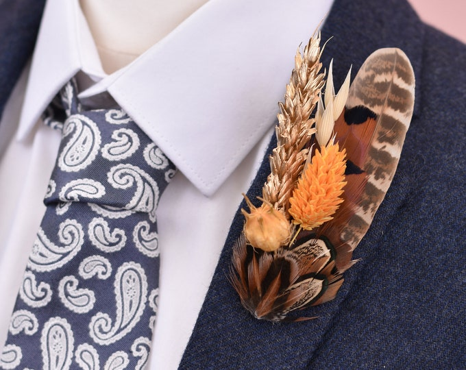 Harvest Gold Medium Pheasant Feather Lapel Pin with Dried Flowers