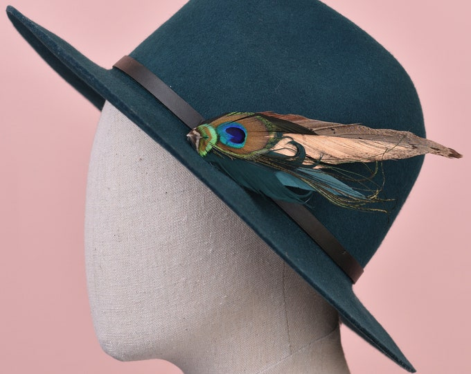 Green and Gold Peacock Feather Lapel Pin / Hat Pin No.97
