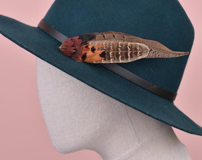 NaturalPheasant Feather Lapel Pin