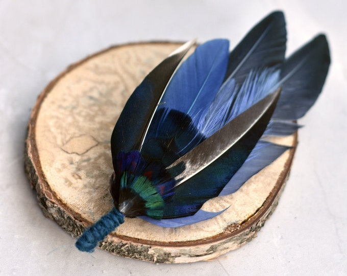 Navy Blue Duck Feather Lapel Pin No.107